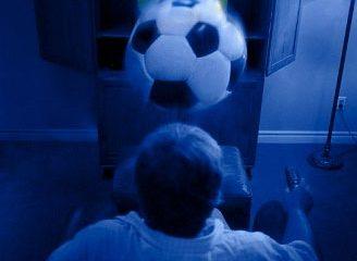 Hệ lụy từ tình yêu bóng đá