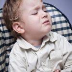 Phân biệt chứng đau bụng quặn và lồng ruột ở trẻ sơ sinh