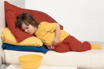 Sơ cứu khi trẻ bị ngộ độc thức ăn