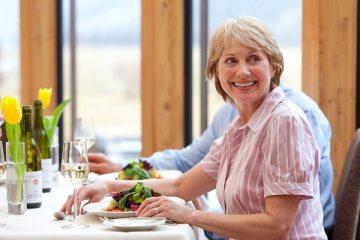 Rối loạn tiêu hóa ở người già và cách phòng bệnh