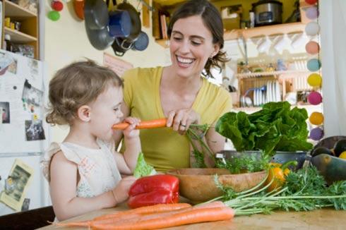Xử lý khi bé bị ngộ độc thực phẩm 1