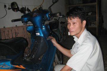 Câu chuyện 15 năm viêm đại tràng và ước mơ giản đơn của anh chủ tiệm sửa xe